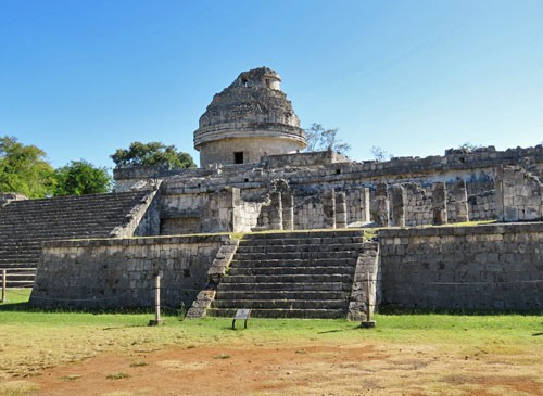 We spend a morning walking through the ruins of Chichén Itzá.