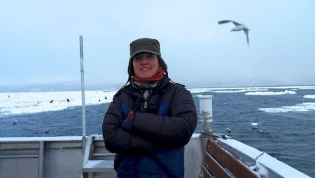 ...and an excellent marine infrastructure ; here Susan on our Hokkaido boat to look for sea eagles.