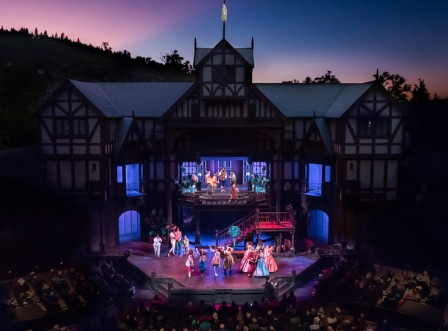 The OSF boasts three amazing theaters, including the gorgeous outdoor Allen Elizabethan Theatre… Photo credit: Oregon Shakespeare Festival